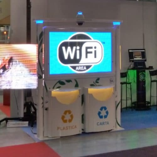 Totem video screen with wifi