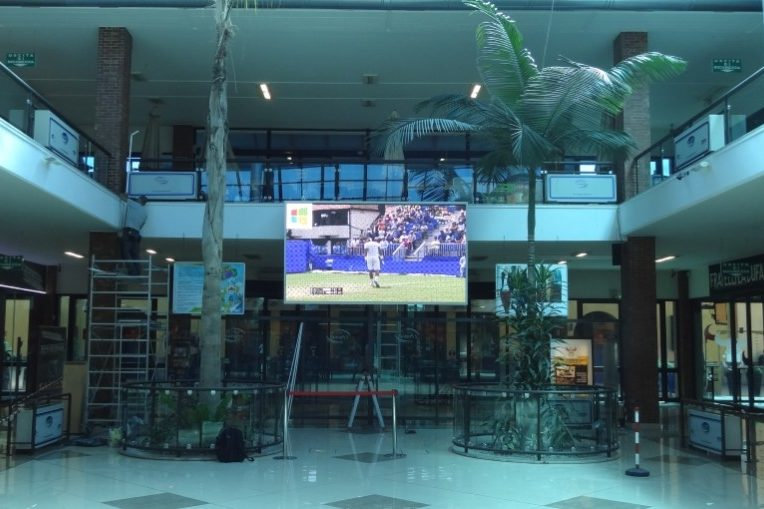 Display Video Centro Commerciale I Portali Catania By